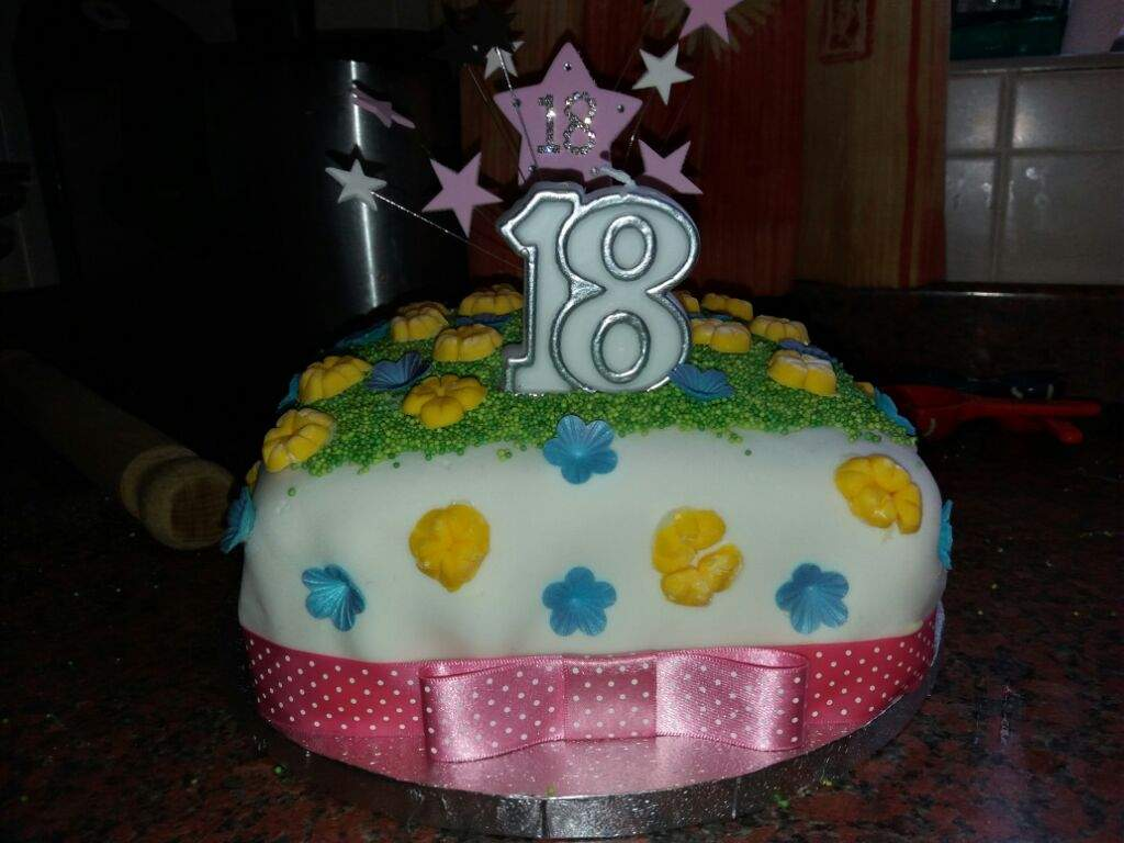 Undertale flowers themed birthday cake undertale amino izmirmasajfo