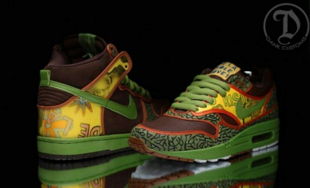 1cfc2531d844 Featuring the exact detailing and color-scheme as the Nike SB Dunk High  including the Green midsoles. Check out the images below and let us know if  these ...