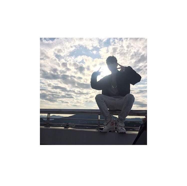 iKON Instagram Updates 1 • 😍 | K-Pop Amino