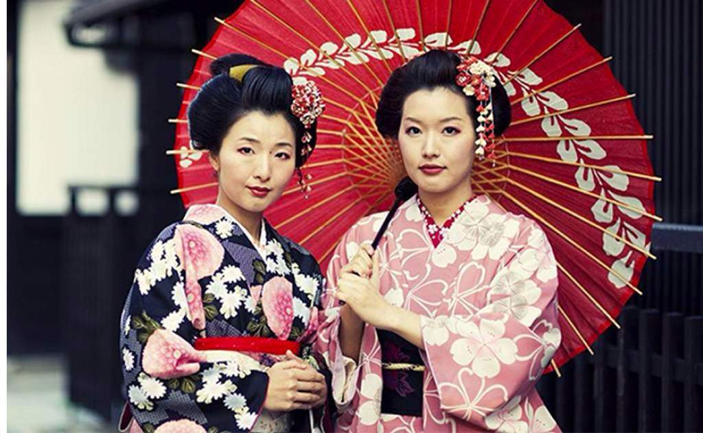 Today, geisha and maiko are rare to see outside of the hanamachi. During  the 1920's, there were over 80,000 geisha in Japan. Today it is estimated  to be ...