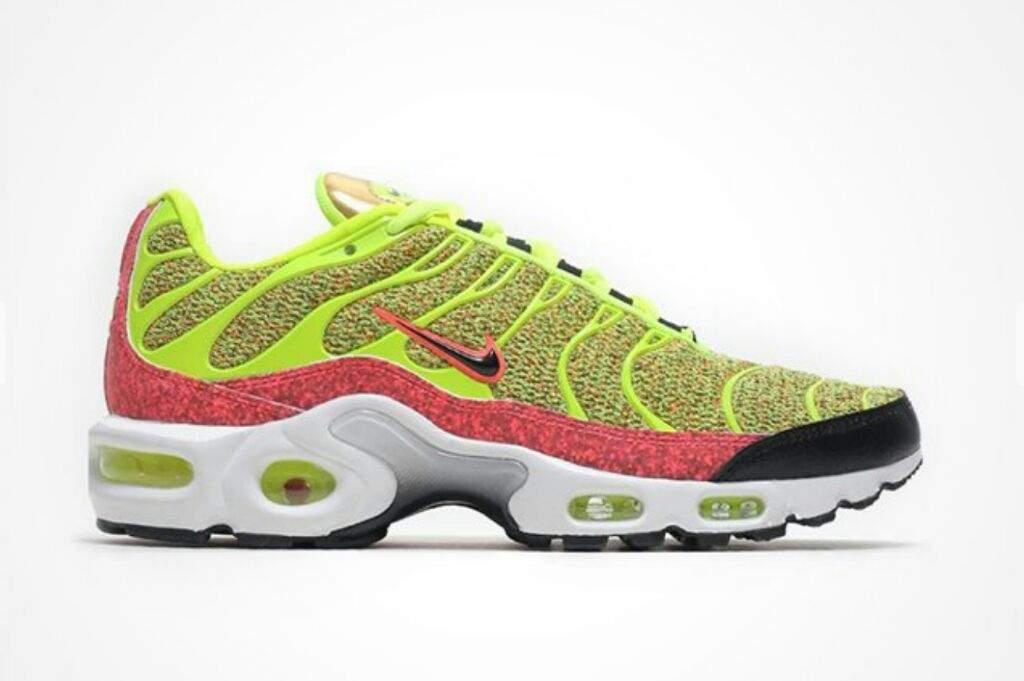 c11450c68865 Nike Air Max Plus