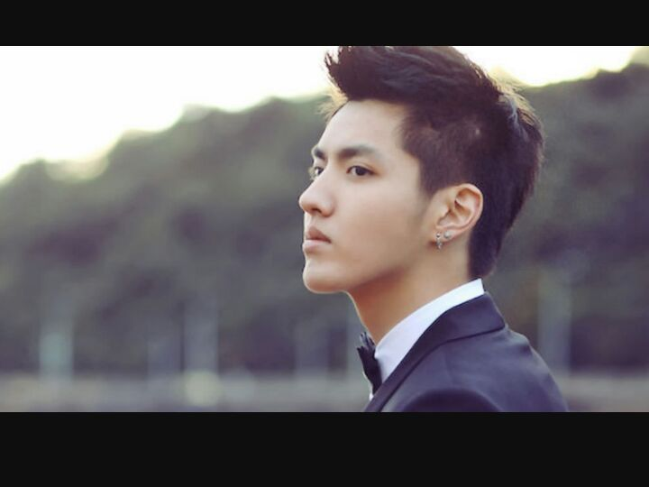 Kris Wu , Which hair style and color is best?