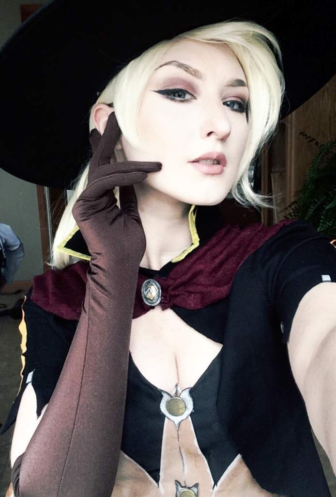 Witch Mercy Cosplay Overwatch Amino