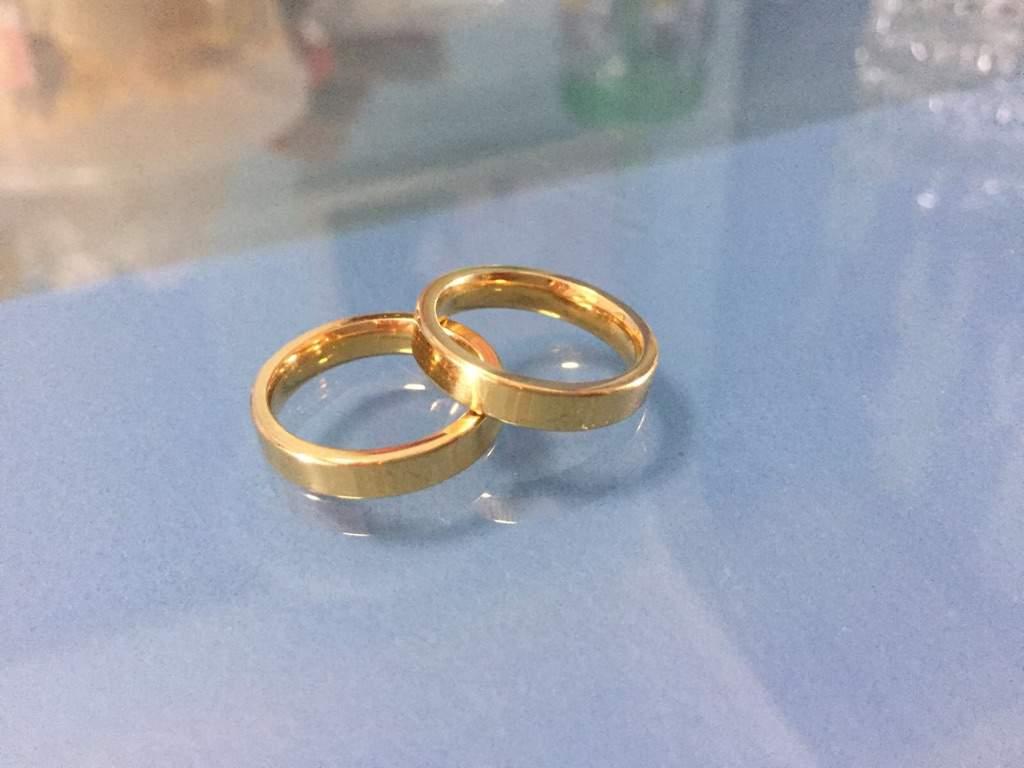 The couple rings Yuri On Ice Amino