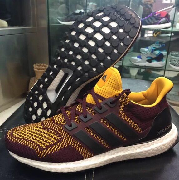 27f0fd77b6c And finally I have the Adidas Ultra Boost Washington Redskins PE. These are  a pretty nice colorway I wish I could own.