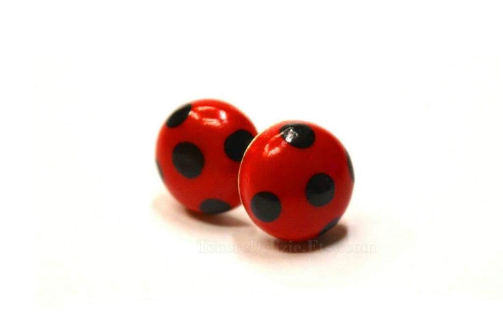 nuevo estilo c5862 1131f Aretes | Wiki | •Miraculous Ladybug Español• Amino