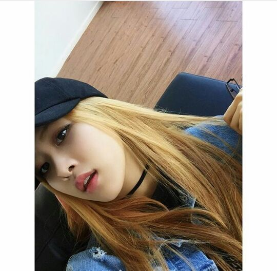Blackpink Instagram Update Rose Blink 블링크 Amino