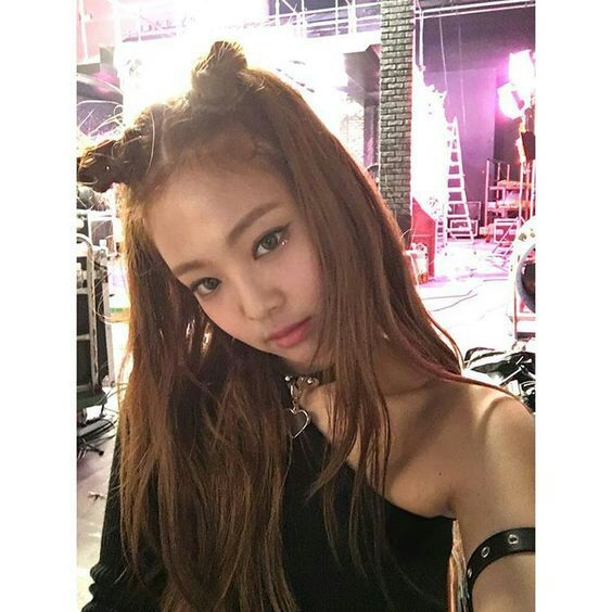 easy JENNIE inspired HAIRSTYLES