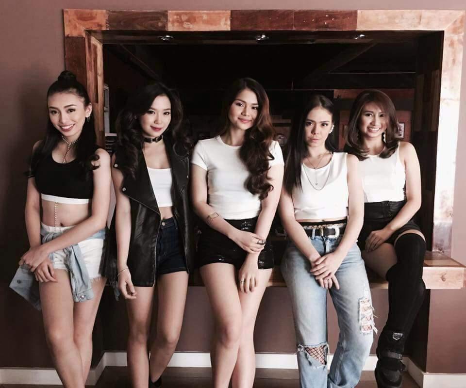 девушки с членами. фото
