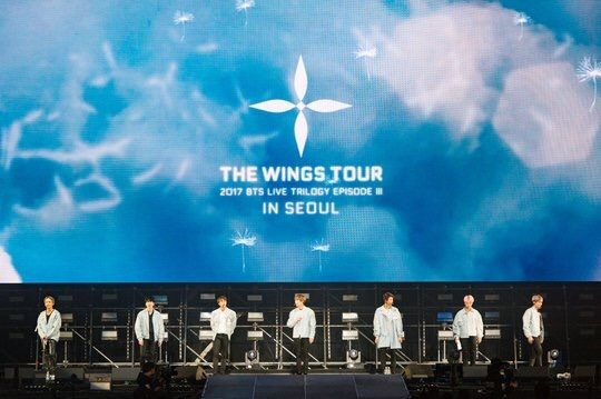 Resultado de imagen para bts two three WINGS WORLD TOUR
