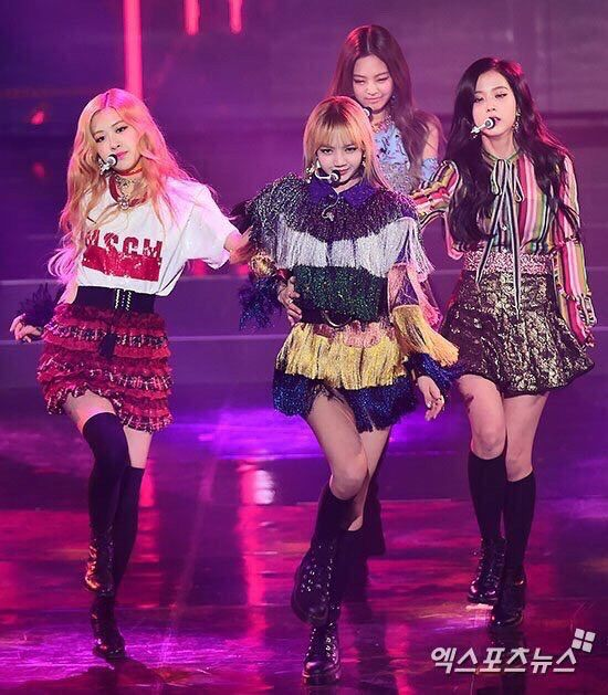 gorgeous blackpink performance outfits 2017