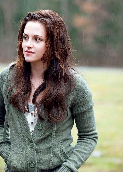 Bella Is Part Werewolf?! - Twilight Theory | The Twilight