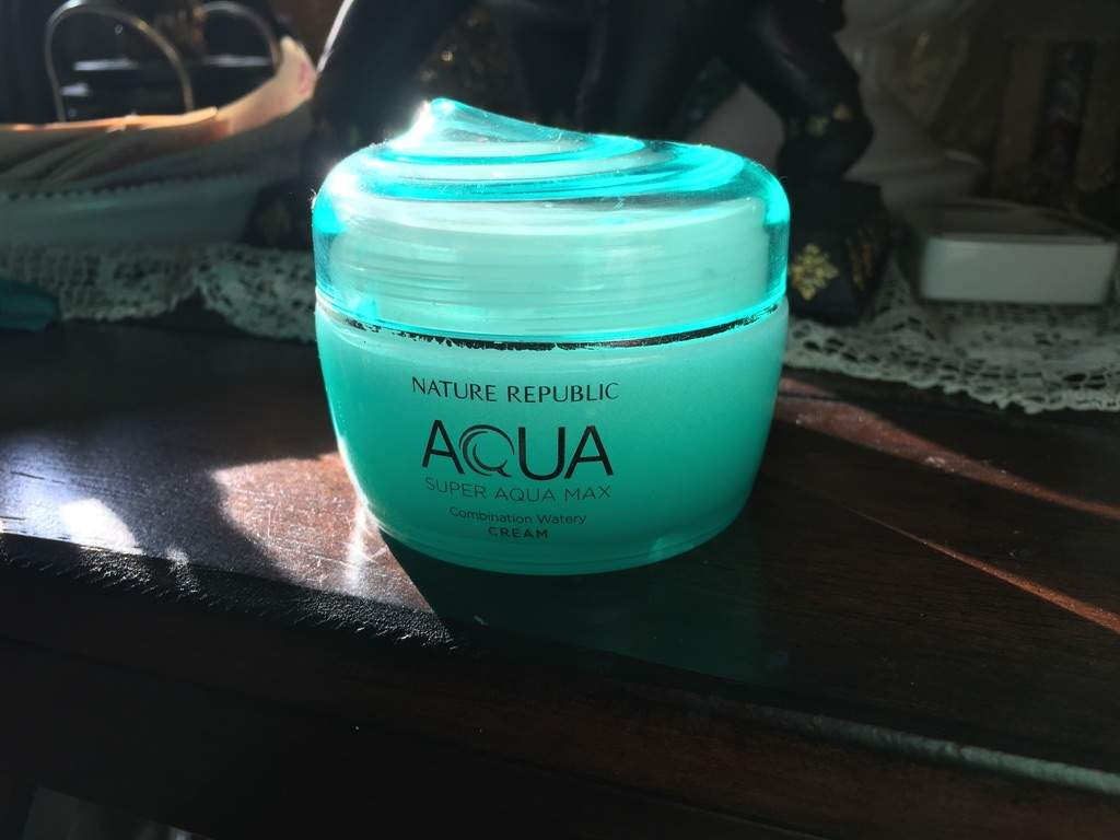 This a moisturizer for those of us with combination skin! It is 1 of 3 cremes in their Super Aqua line, which caters to different skin types.