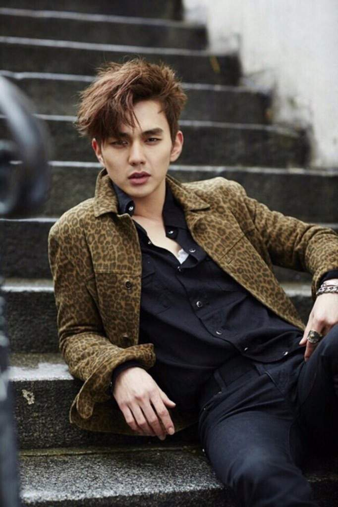 Yoo seung ho k drama amino he has this very serious mature look to him but when he smiles your heart melts he has a big smile that you smile when he smiles thecheapjerseys Image collections