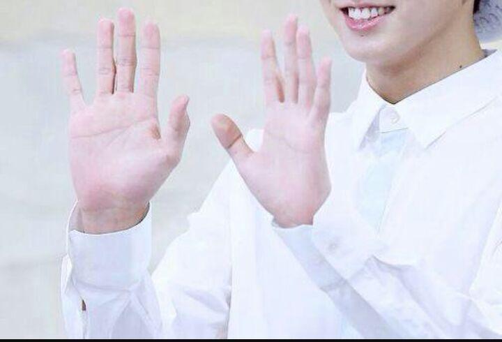BTS's hand size