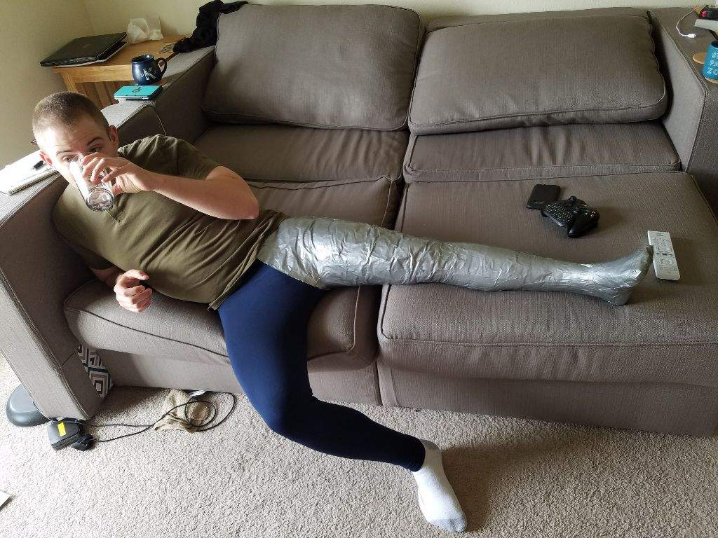 How To Take A Break While Making A Leg Cast Cosplay Amino