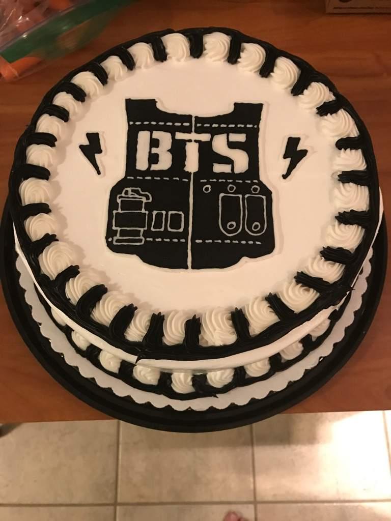 BTS Birthday Cake | ARMY's Amino
