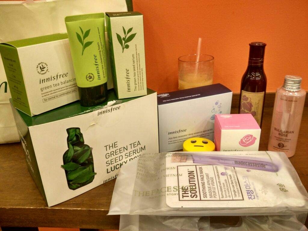 540046c31c8 From left  Innisfree Green Tea Balancing Kit