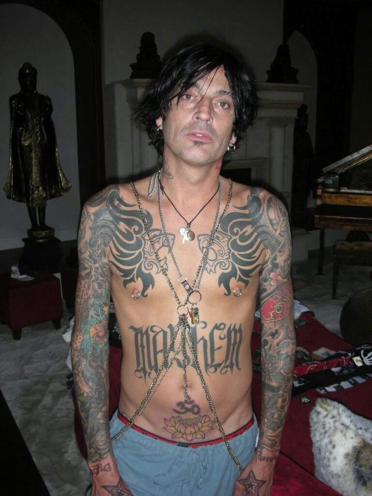 2e445ffd0fb95 Tatuajes en el Rock: Hard Rock P1 | •Rock• Amino Amino