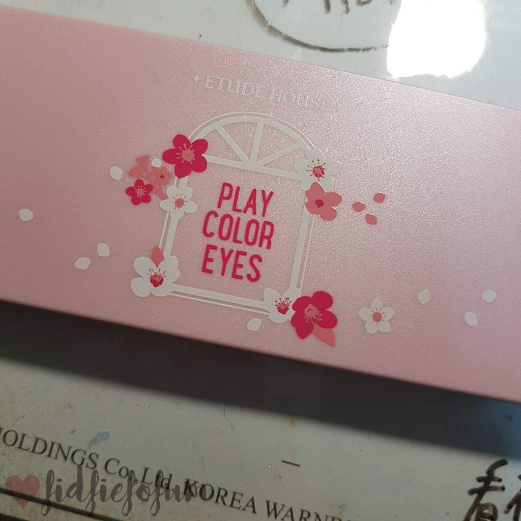 Etude House Play Color Eyes Cherry Blossom Korean Beauty Amino I Recently Bought The Palette From Saw Their Release Post On Instagram And Immediately Went Online To Order It