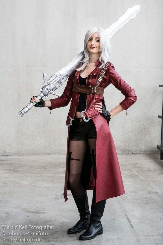 Dante Devil May Cry Iii Female Version Cosplay Amino