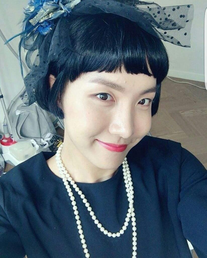 Jung Hoseok: Selfies (a collection ) | ARMYs Amino