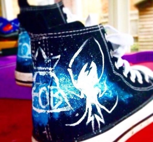 27d1707d Pretty. Odd Shoes | Panic! At The Disco Amino
