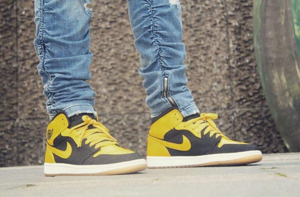 Air Jordan 1 New Love on feet