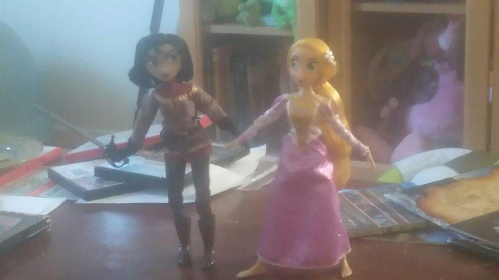 Toon Toy Reviews Tangled The Series Rapunzel And Cassandra Doll Set Toontoyreviews Cartoon Amino