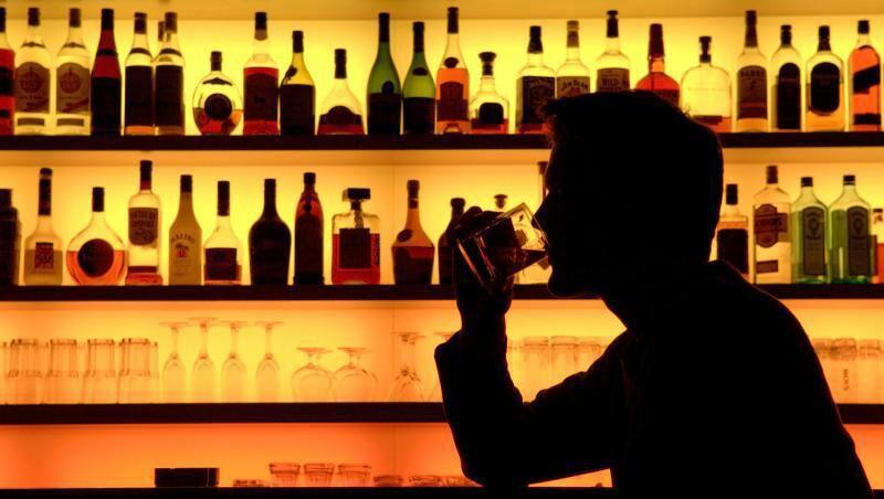 Resultado de imagen para frente al enemigo en el bar