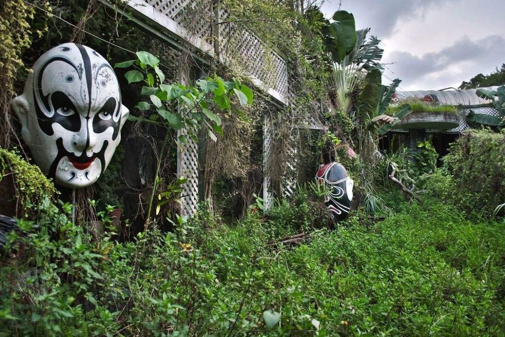 Asia S Creepy Abandoned Theme Parks Paranormal Amino