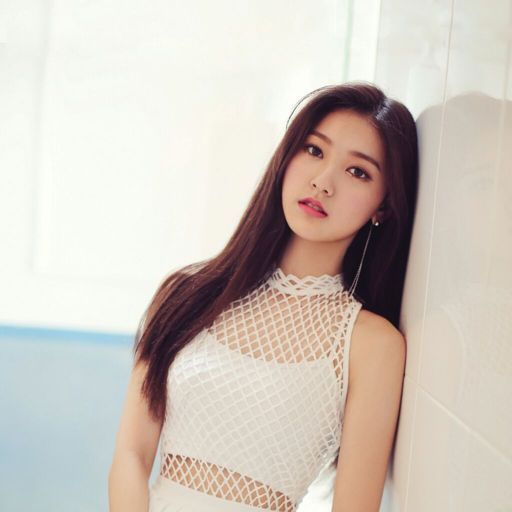 Choerry's 'Love Cherry Motion' Review | K-Pop Amino