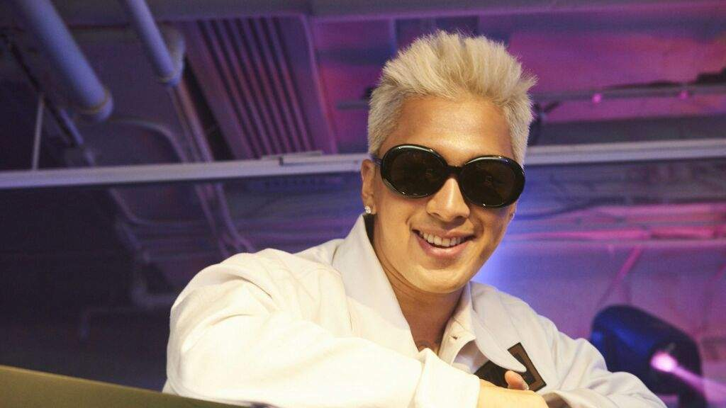 04699f3629fa K-pop idol Taeyang Celebrates Fendi s Store Opening and Party