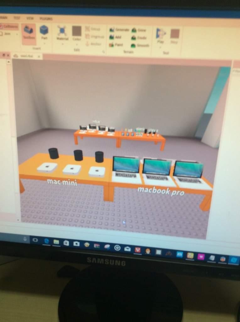 My Apple Store In Roblox Roblox Amino