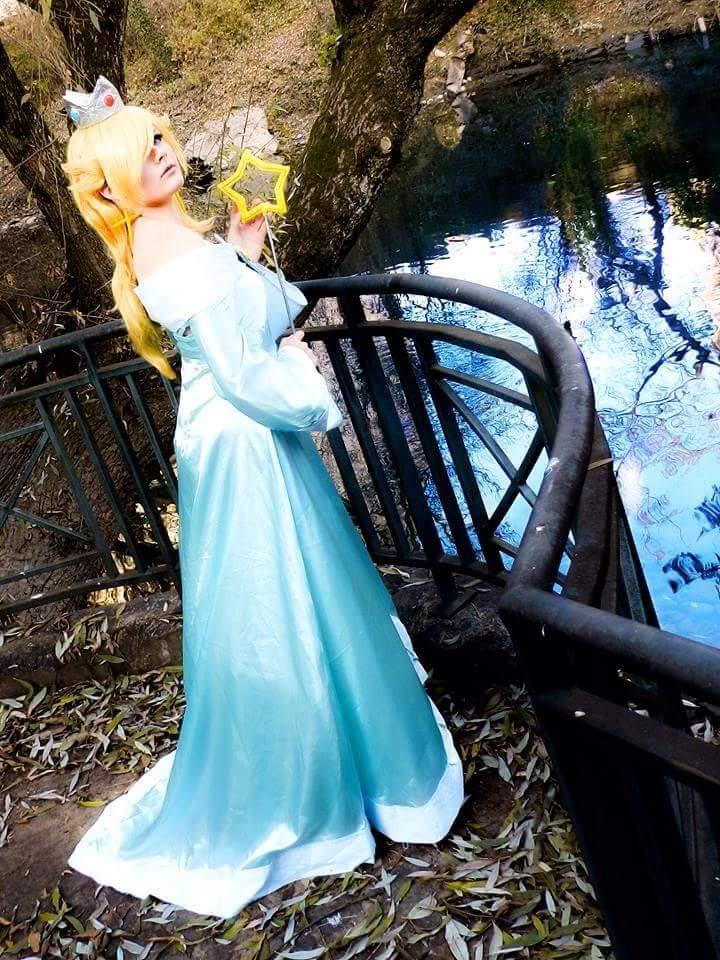 princesse rosalina mario galaxy cosplay amino