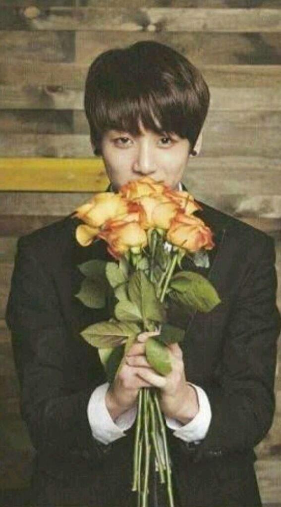 Resultado de imagen para jungkook con flores