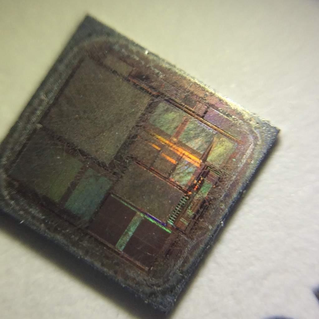 Silicon wafer Macro photography! | Maker Amino