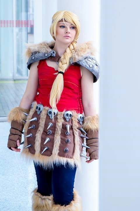 Astrid cosplay from how to train your dragon photo by the amazing astrid cosplay from how to train your dragon photo by the amazing anthony curley photography astridcosplay astrid howtotrainyourdragon stormfly dragon ccuart Image collections