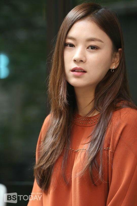 Kong Ye-ji Nude Photos 22