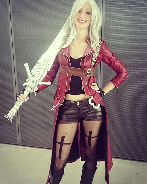 Dante Female Cosplay Devil May Cry Iii Cosplay Amino