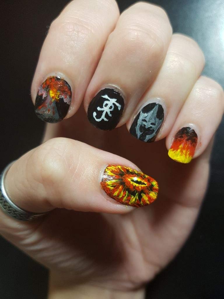 Painted my nails, Sauron style 😎 | LOTR Amino
