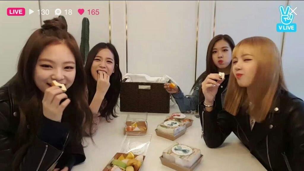 D3 Blackpink Eating Blink 블링크 Amino