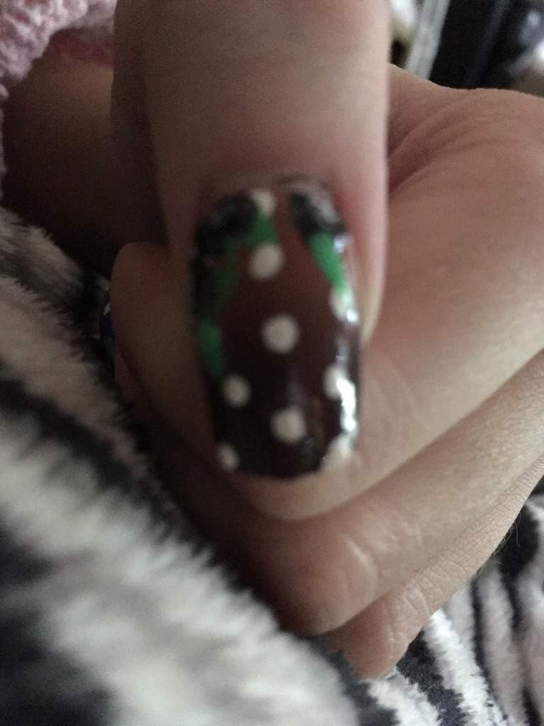 Black Rose Nails On An Ombre Background With Dots Nail Art Amino