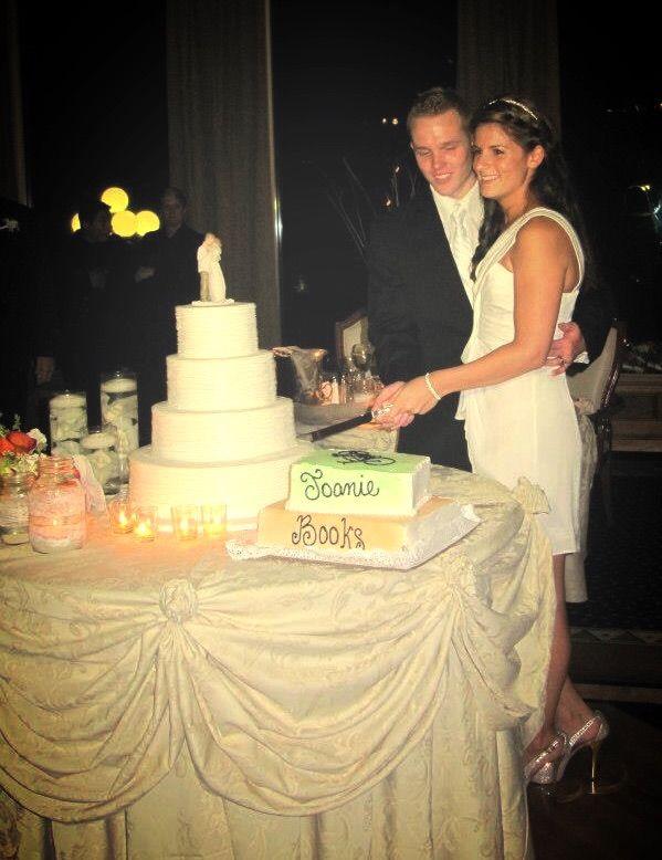 Vegan and gluten-free wedding cake...   Vegan Amino