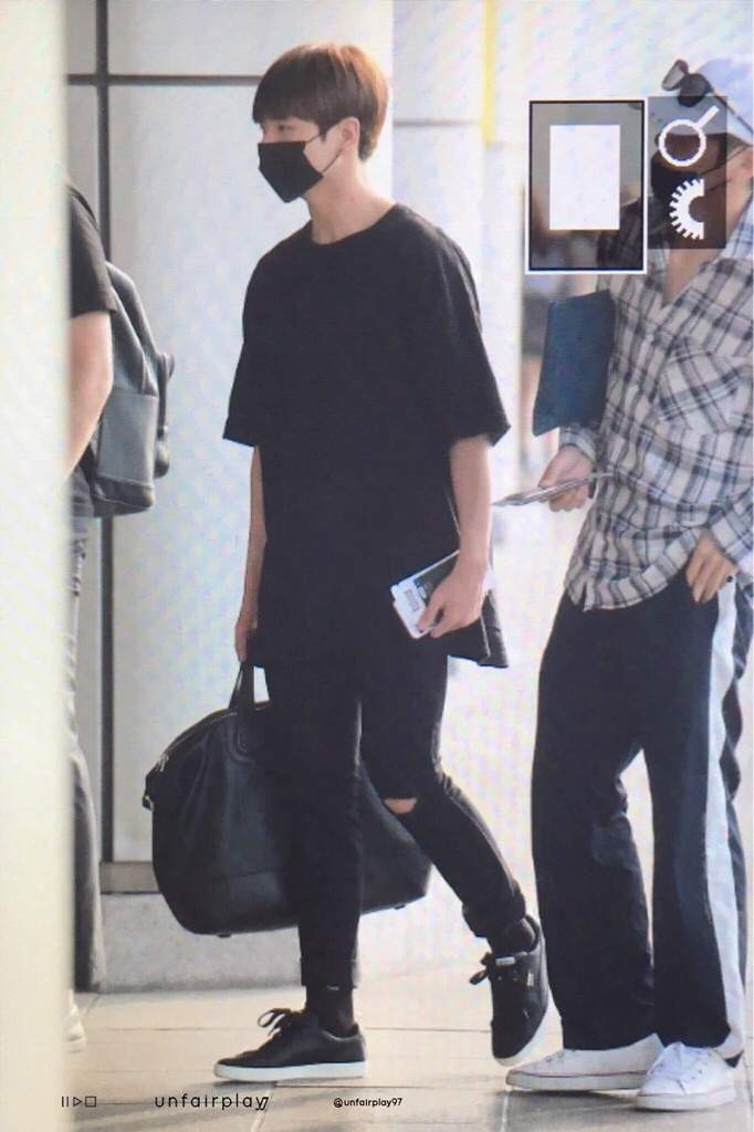 SHOES. SO. BAD. jungkook often wears those white PUMA shoes with black  details and it was nice to see him wear a different type of shoe (from the  same ... b918724b0