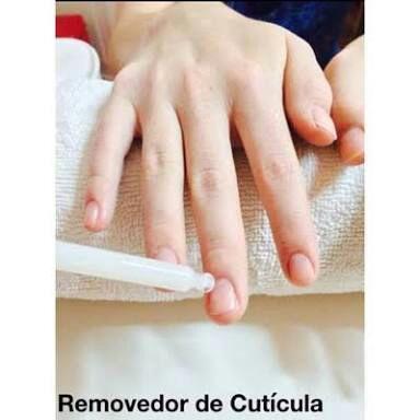 Pasos para la aplicación de cualquier tipo de decoración en las uñas ...