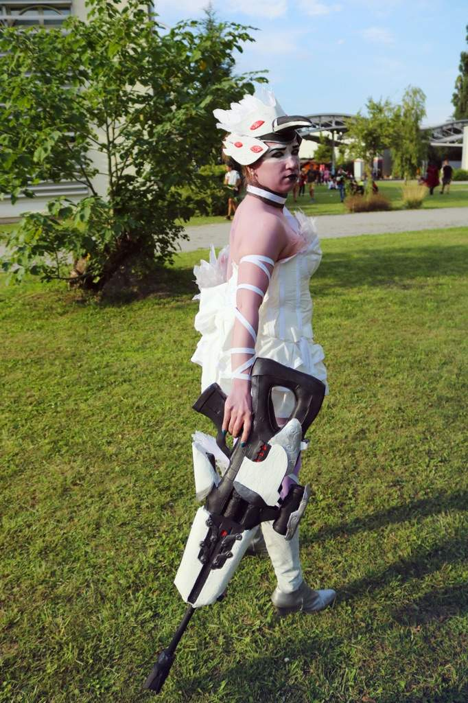 Odette Widowmaker from Overwatch | Cosplay Amino