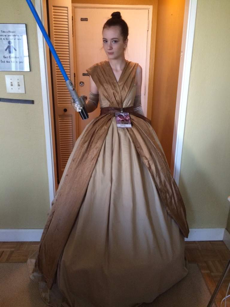 Disney Princess Rey - Star Wars : The Force Awakens | Cosplay Amino