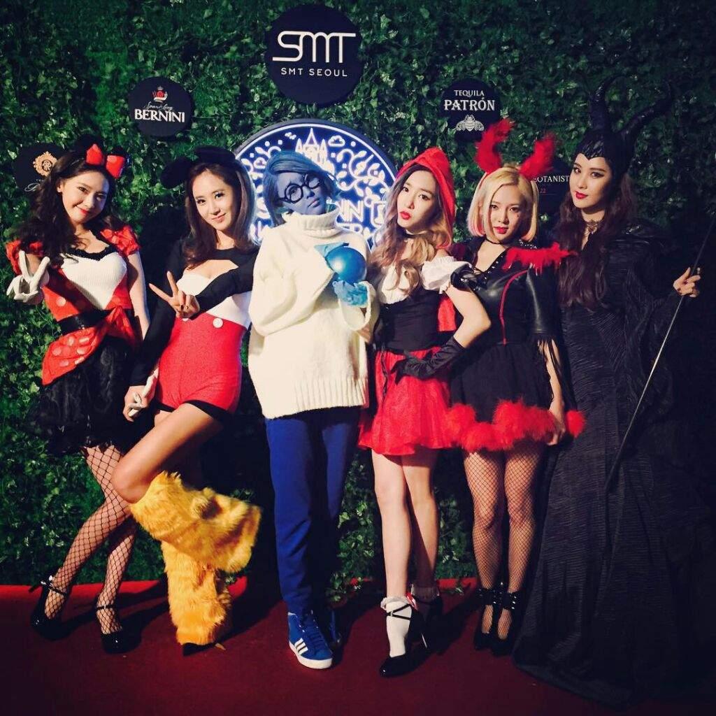 Resultado de imagem para halloween kpop
