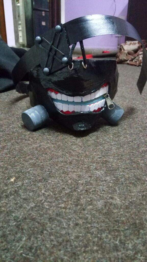 Hand made Tokyo ghoul mask, easy to make just use foil as